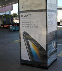 Sony рекламирует новый ультратонкий смартфон Sony Ericsson